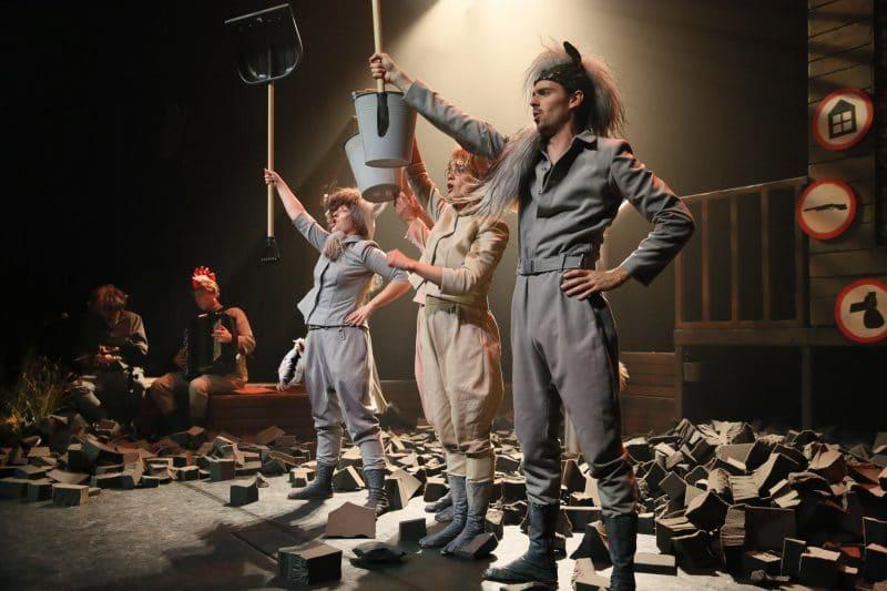 'Zwijnenstal' van Theater Sonnevanck en de Nederlandse Reisopera bekroond met prestigieuze theaterprijs 'Zilveren Krekel'